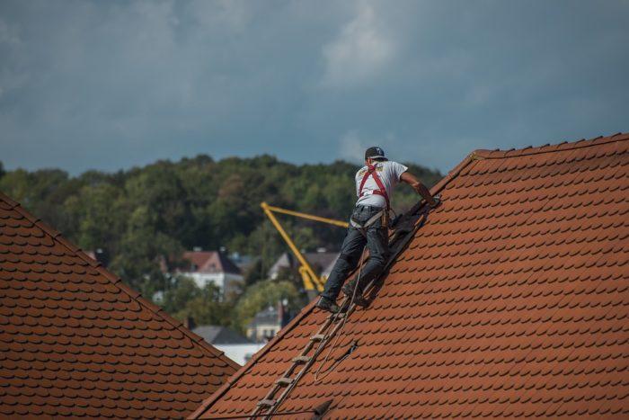 Un couvreur pour les toits